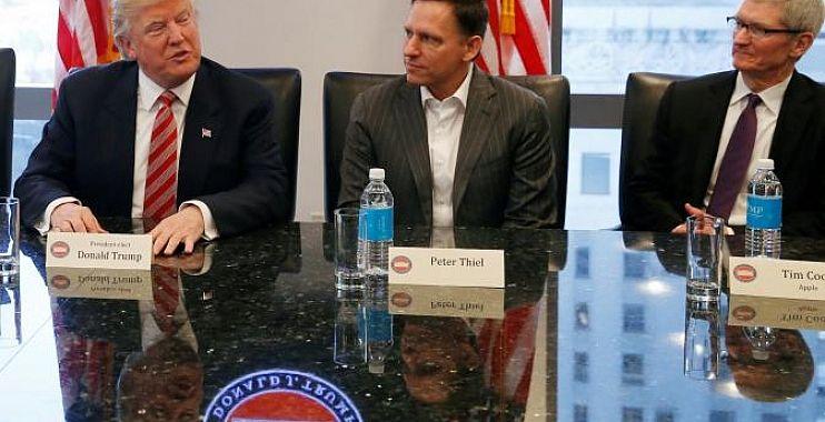 ترامب يجتمع بقادة وادي السيليكون ويطلب منهم الاتصال به مباشرة في أي عقبات